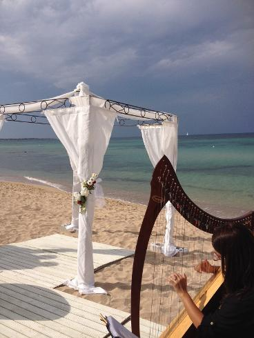 beach wedding in Puglia Italy weddingsinostuni.com